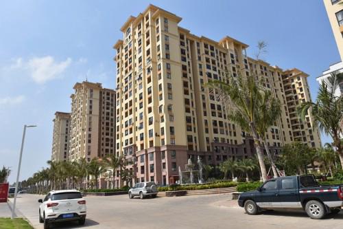东方碧桂园海逸半岛板式通透三房户型在售 均价13000-16000元/平